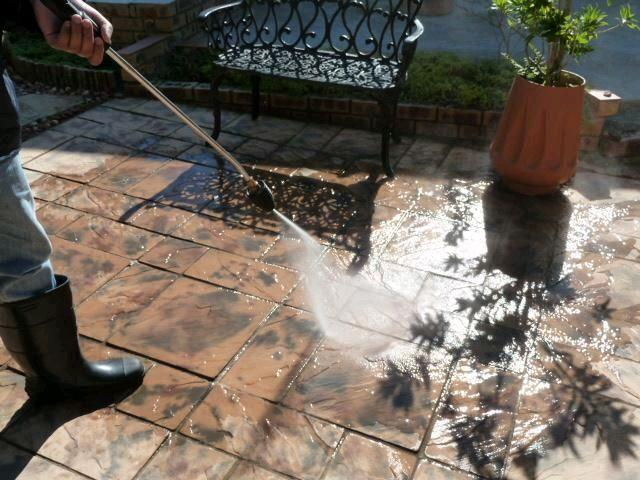 High Pressure Cleaning Services - 1/3