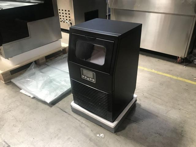 ICE MAKER MACHINE - 1/3
