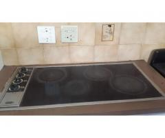 Defy 4 plate hob glass top and Univa eye level oven R750.00. Buyer must collect, Bring cash, NO EFT,