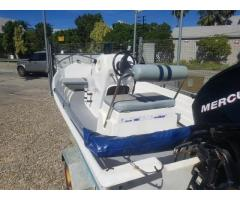 Lagoon 440 with 25HP Mercury Four Stroke