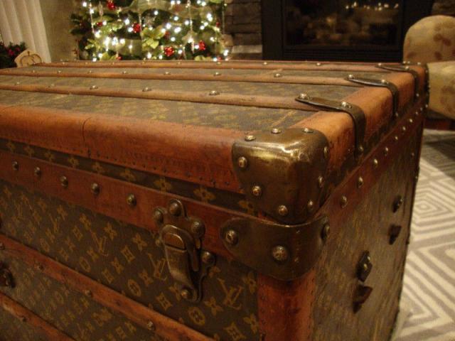 Authentic Vintage Louis Vuitton Trunk - 1/3