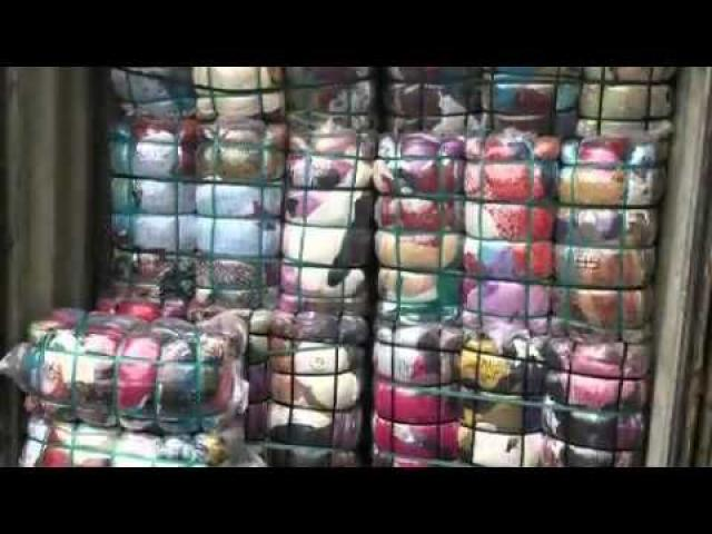 Bale of clothes, jackets, winter and summer wears, boots sneakers grade A - 1/1