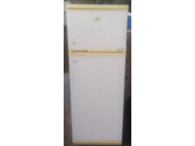 DEFY 260L Fridgefreezer in very good condition for sale working 100% - 1/2