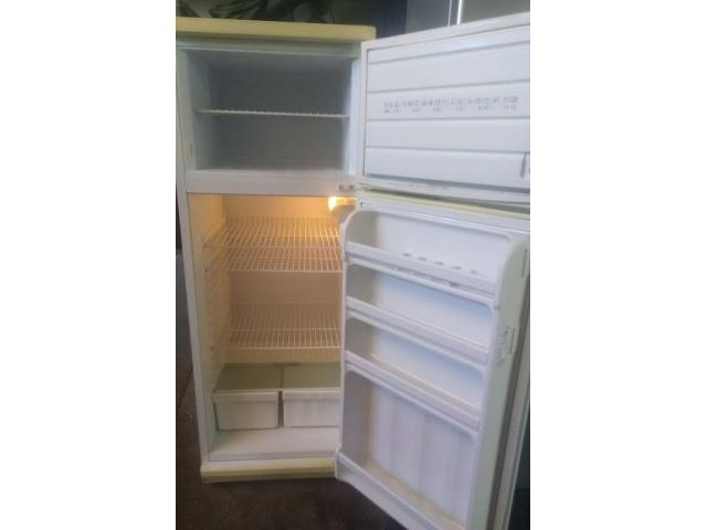 DEFY 260L Fridgefreezer in very good condition for sale working 100% - 2/2