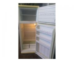 DEFY 260L Fridgefreezer in very good condition for sale working 100%
