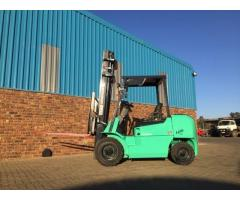 Mitsubishi Ninja 2.5 Ton Diesel forklift for sale