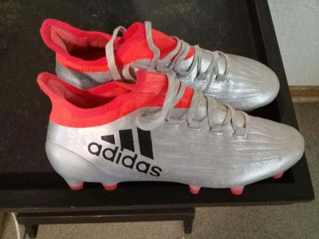SOCCER BOOTS - 3/3