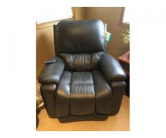 La-Z Boy Powered Recliner x 2