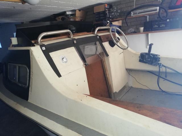 Cabin Boat - 3/4