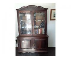 Mahagony vintage display/bookcase glass door cabinet