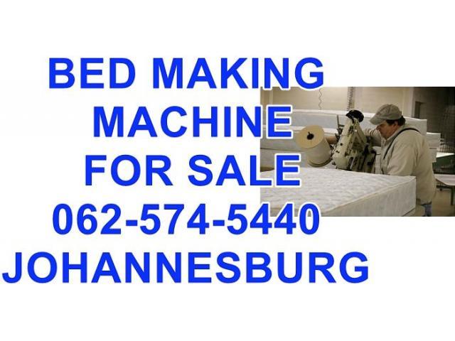 mattress machine making beds - 2/4