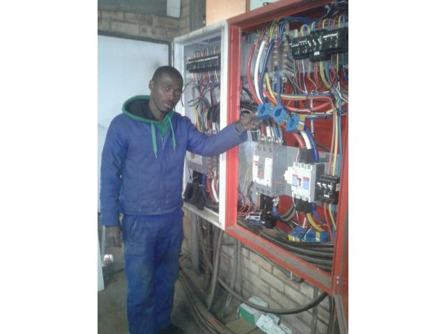 Electrical maintenance and new installations - 1/4