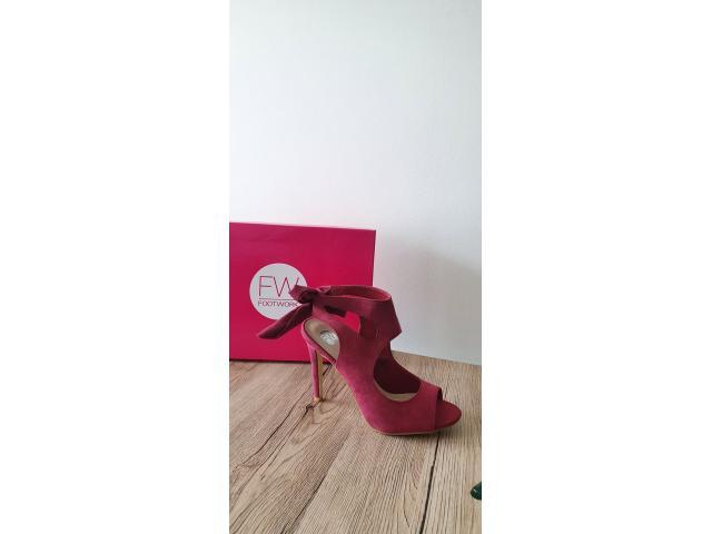 Stunning Women's Heels For Sale (Bulk Sale Only) - 1/4