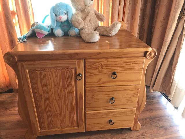 Solid oak hand crafted compactum for sale - 1/2