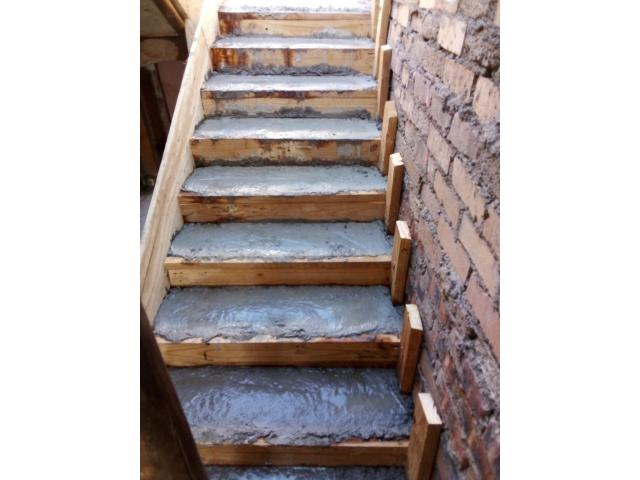 STAIR CASES SERVICES AVAILABLE - 1/4