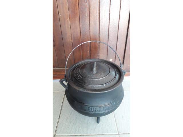 Bush Baby cast iron, 3 leg potjie pot - 1/1