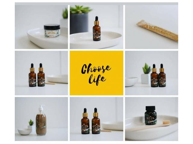 100% ORGANIC OILS. 100% PURE MEDICAL GRADE EXTRACT. ESSENTIAL OILS. CRUELTY FREE. KIDS AND FURKIDS. - 1/4
