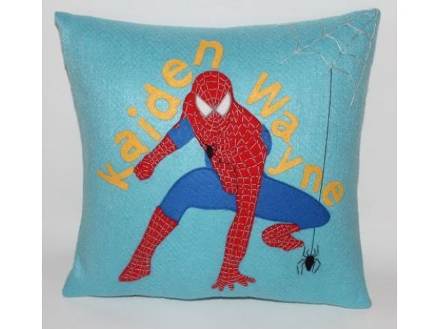 felt pillows - 2/3