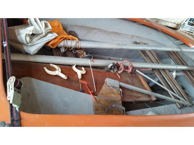 Sailing Dinghy - 2/4