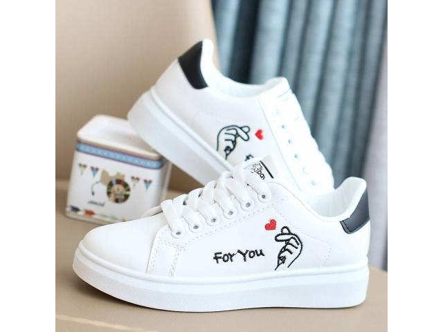 Woman Sneakers - 2/4