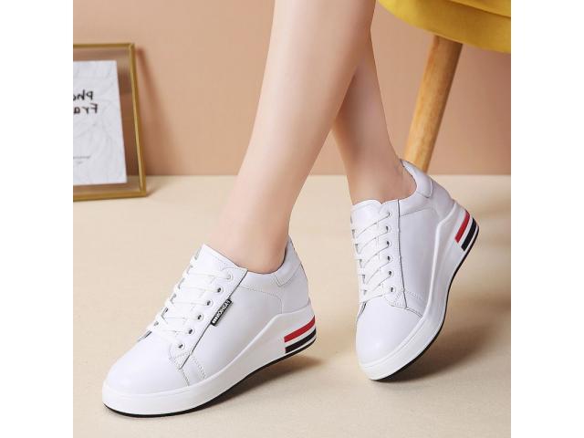 Woman Sneakers - 3/4