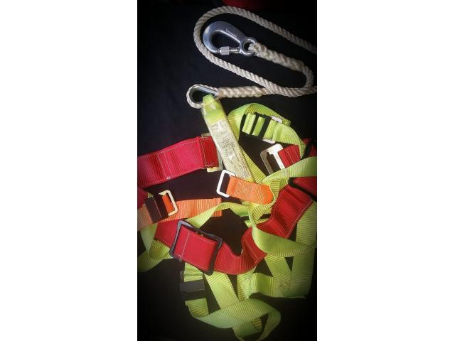 Iron man Safety Harness 100 Unused - 3/3
