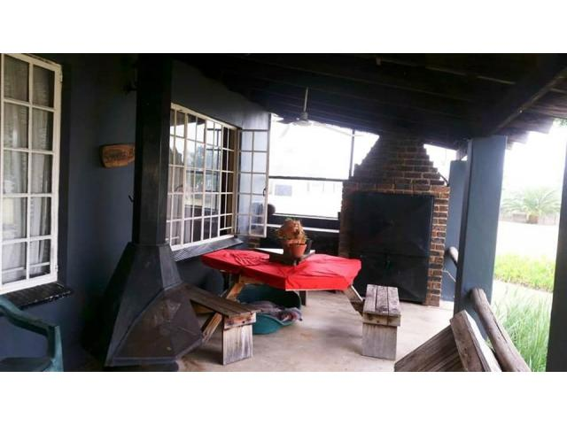2 bedroom house on shared 5 acre property - 4/4