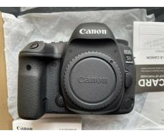 Canon EOS 5D Mark IV DSLR Camera: 1500USD