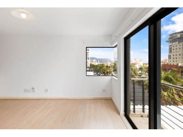 Bright 2 bedroom/2 bathroom unfurnished unit/undercover parking bays - 1/4