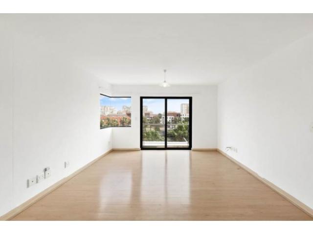 Bright 2 bedroom/2 bathroom unfurnished unit/undercover parking bays - 4/4