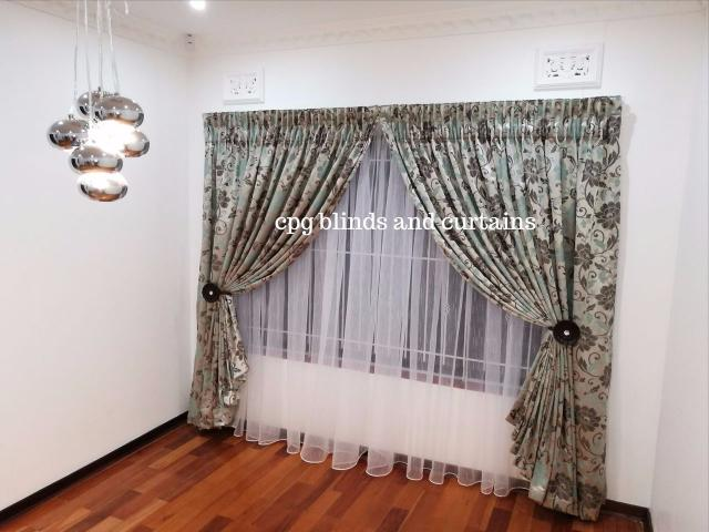 Blinds, curtains headboards and accessories - 4/4