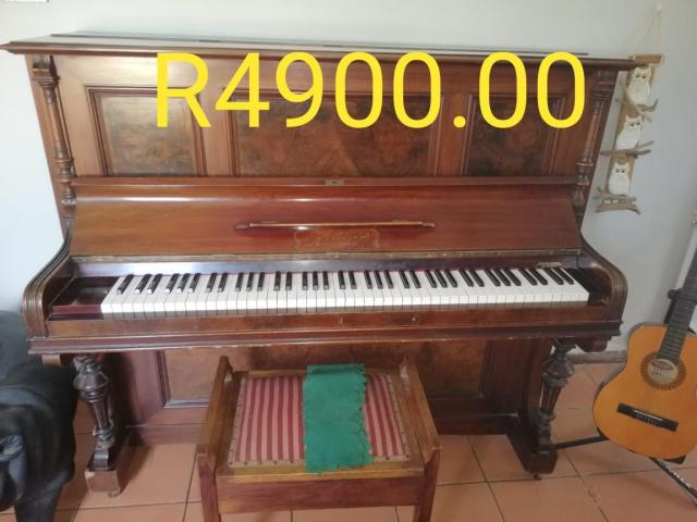 Piano 100% working for Sale in Port Edward - 1/1