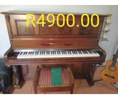 Piano 100% working for Sale in Port Edward