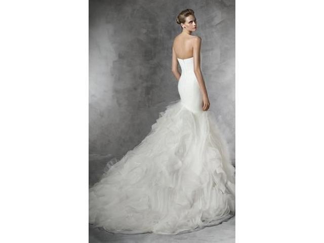 Pronovias wedding dress - 2/4