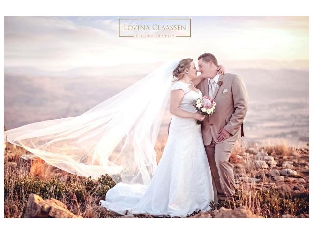 Wedding dress + veil - 3/3