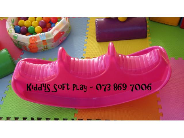 Kiddies SOFT PLAY for Hire and Free PHOTOGRAPHY - 3/4