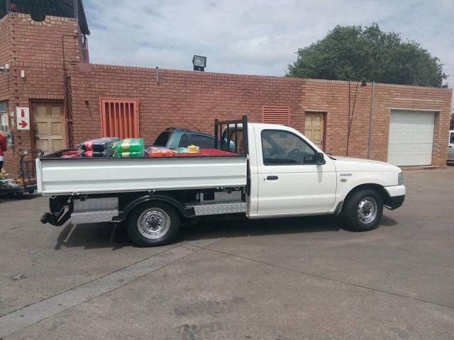 DROPSIDE BAKKIE FOR HIRE WITH DRIVER - 1/4